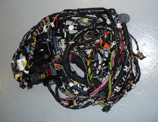 SMART FORTWO 450 SERIES COUPE WIRING HARNESS (MAIN CENTRE) PETROL L/ HAND DRIVE VEHICLES ONLY.