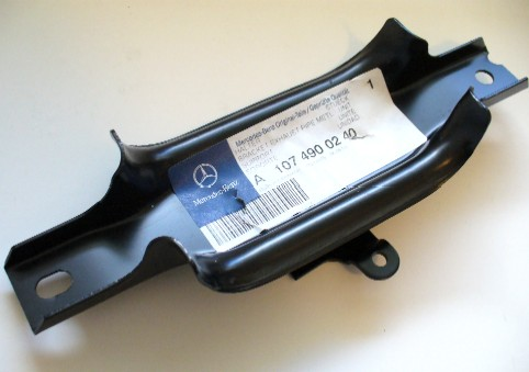 MERCEDES W107 SL/ SLC FRONT EXHAUST PIPE BRACKET