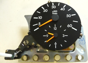 MERCEDES W201 TACHOMETER WITH CLOCK